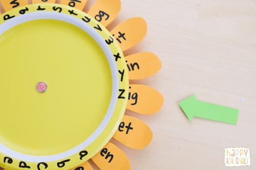 How to use this Word family sunflower learning toy